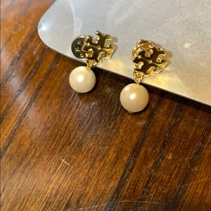 Tory Burch pearl golden earrings